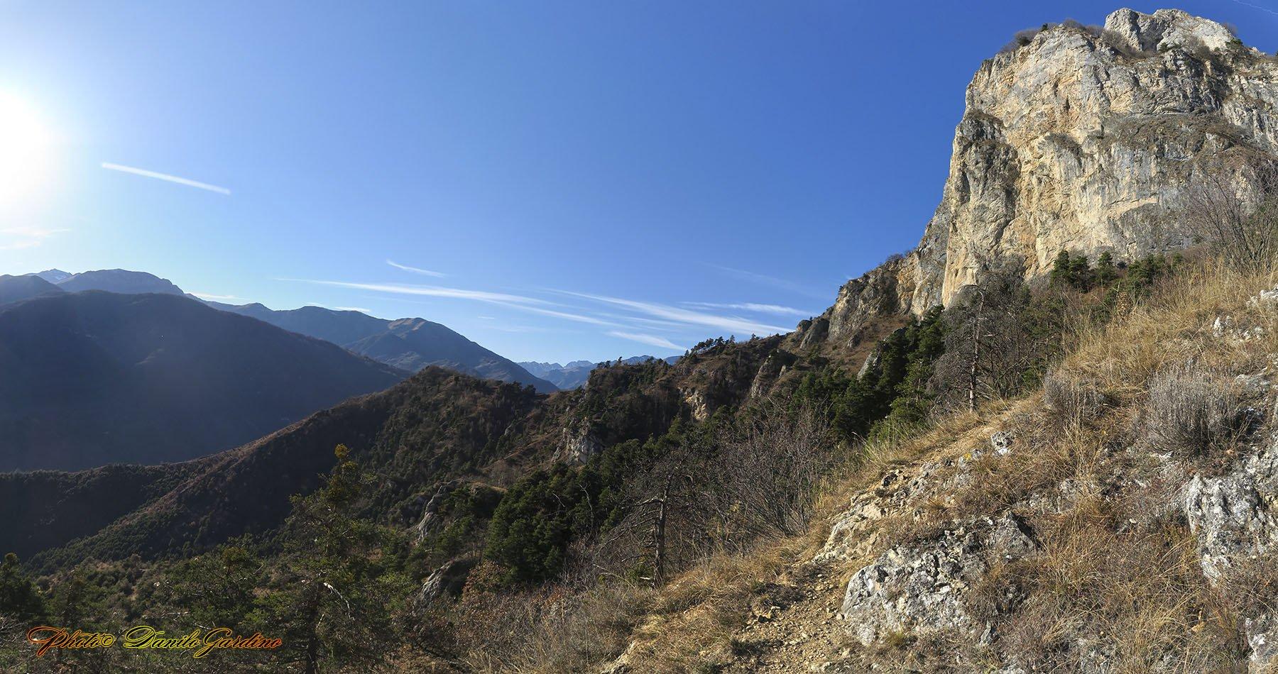 Panorama con il Monte Rubbio sulla DX