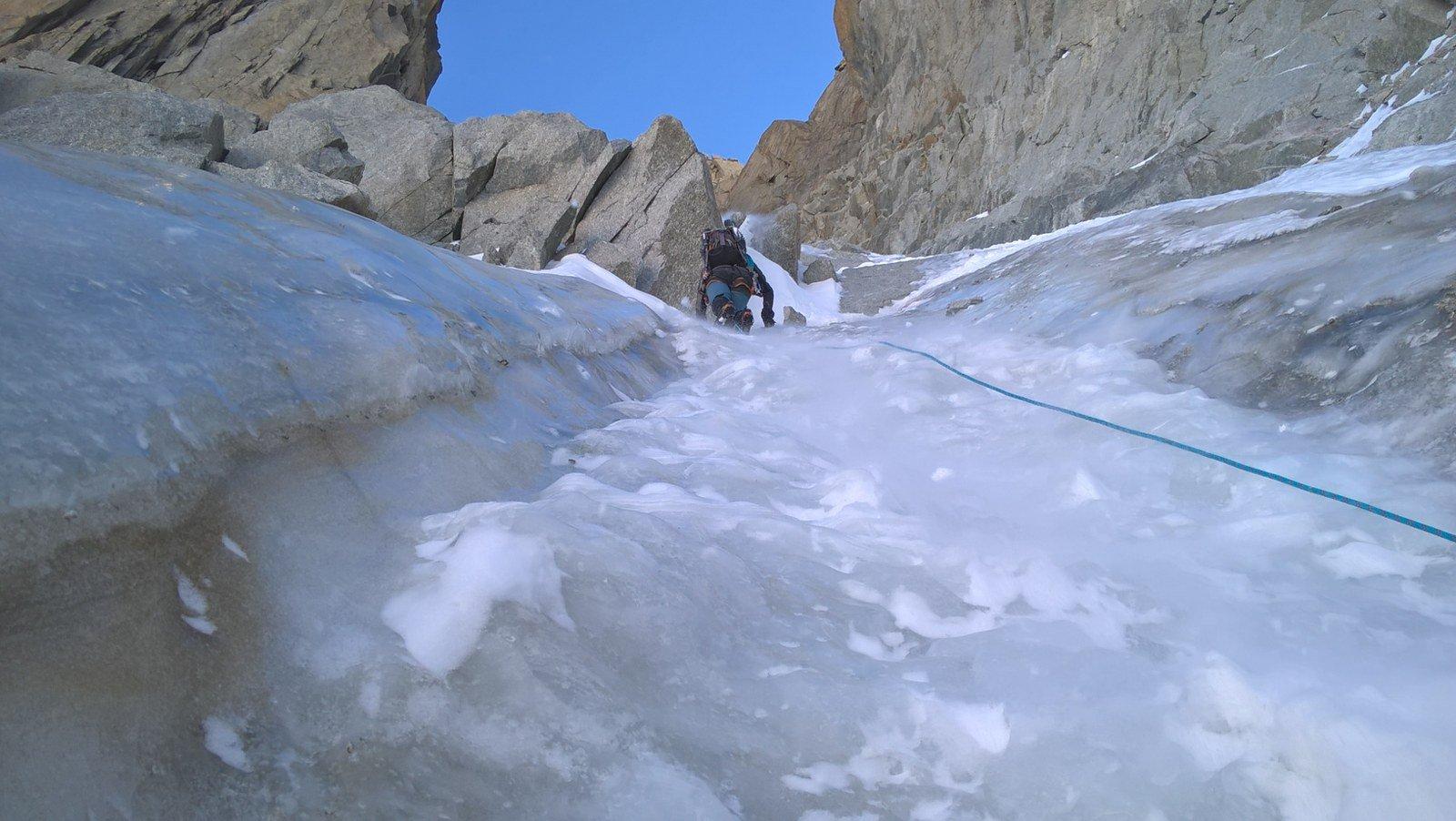 Marco sul primo tratto in ghiaccio