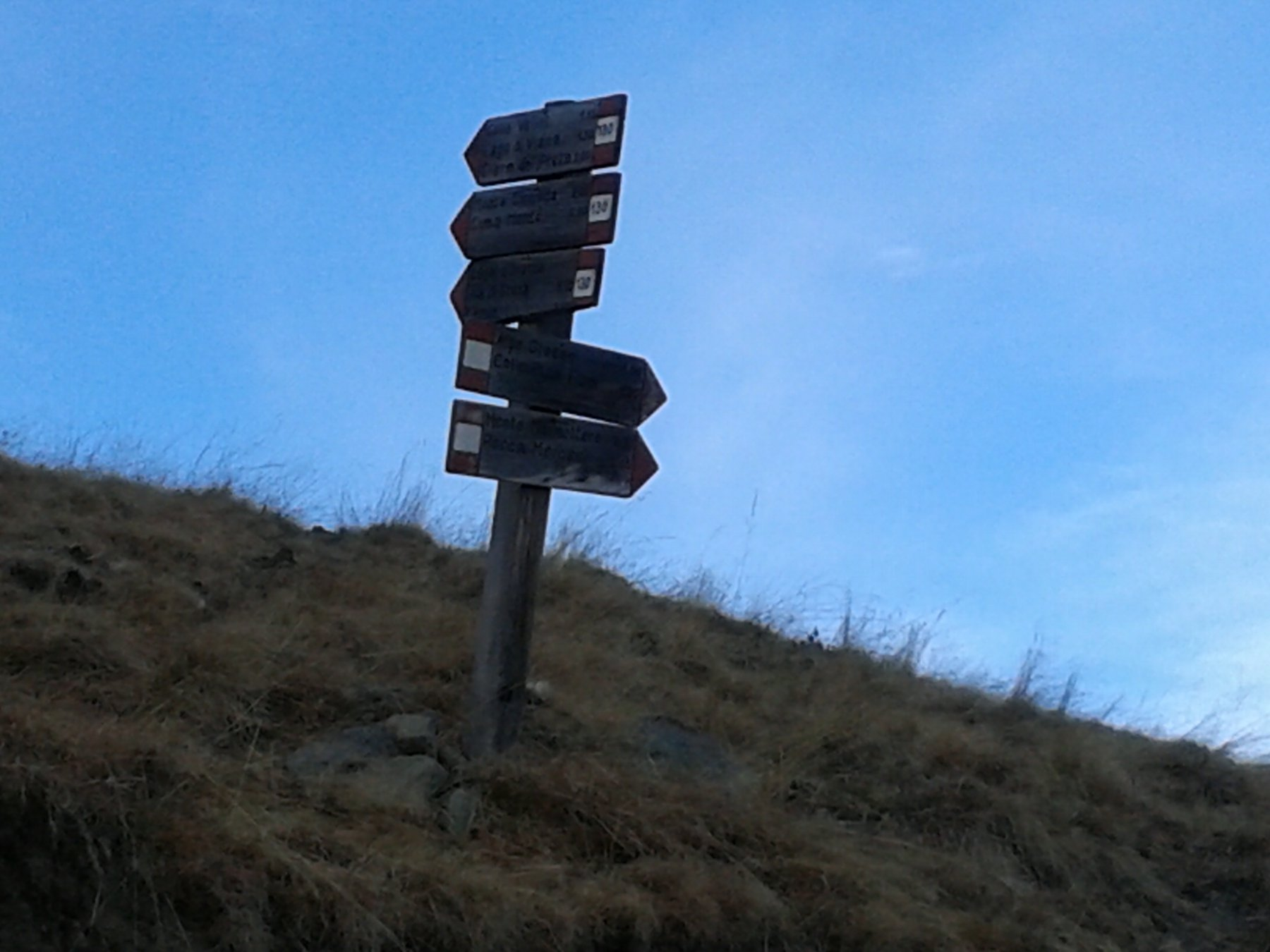 bivio sentiero 130_ lago di Viana, Montù ecc.