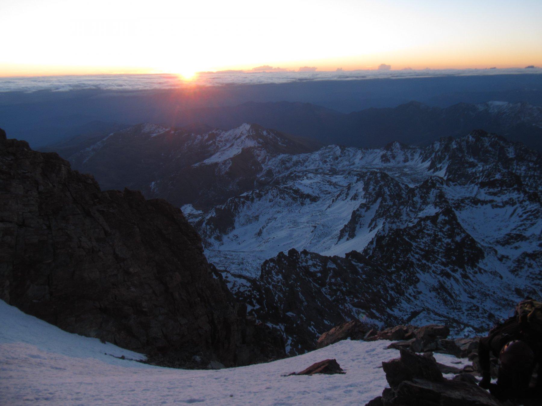 L'alba durante la salita
