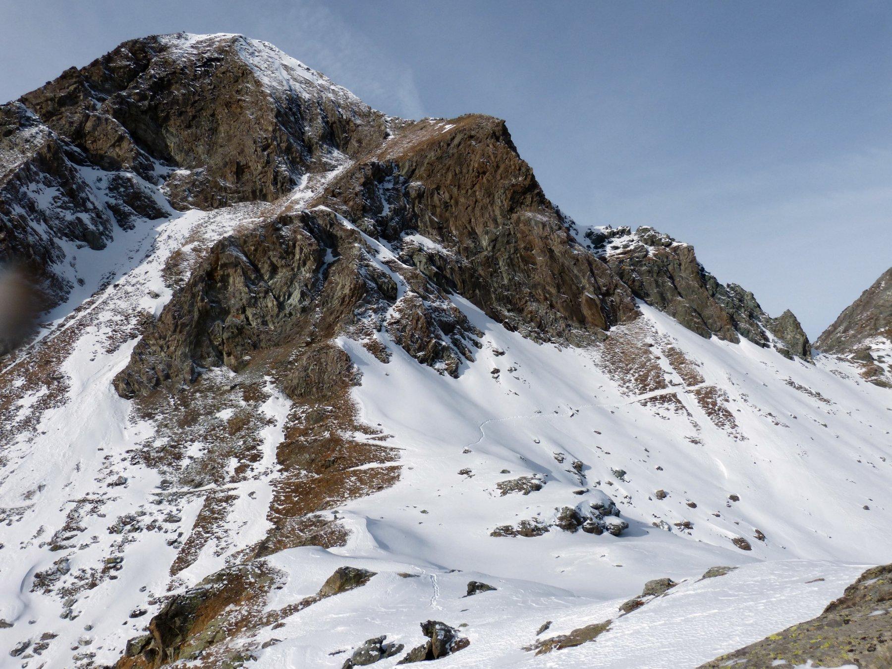 Mont Delà più in basso non visibile Lac Gele