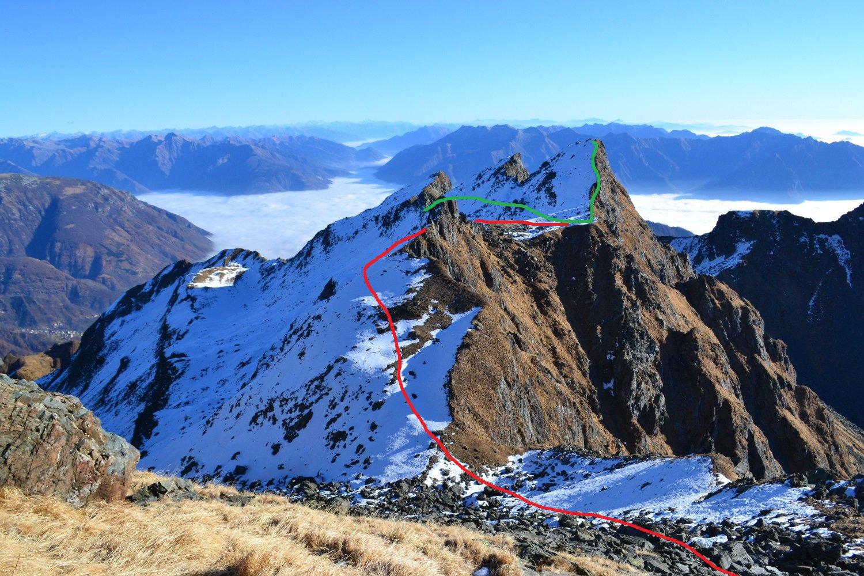 in verde il tracciato dall'uscita del canale alla cima del Fornalino, in rosso il percorso di salita al Montalto