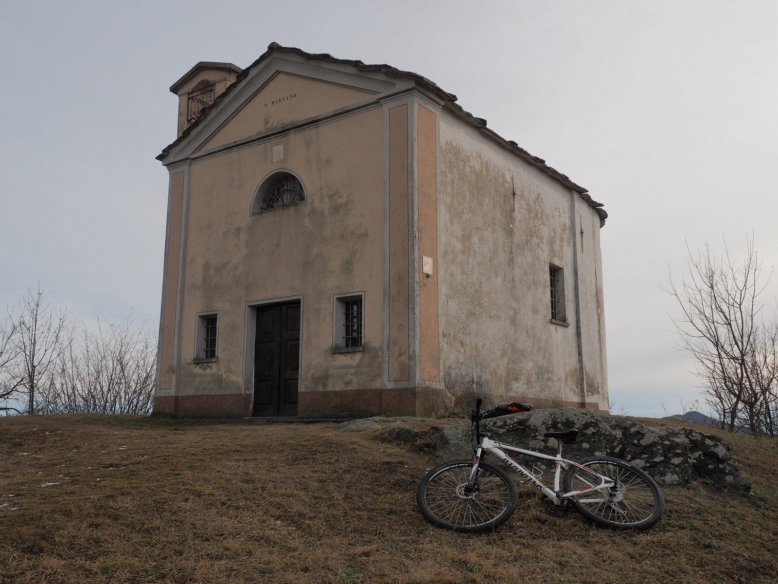 La bella chiesetta di Camporossetto