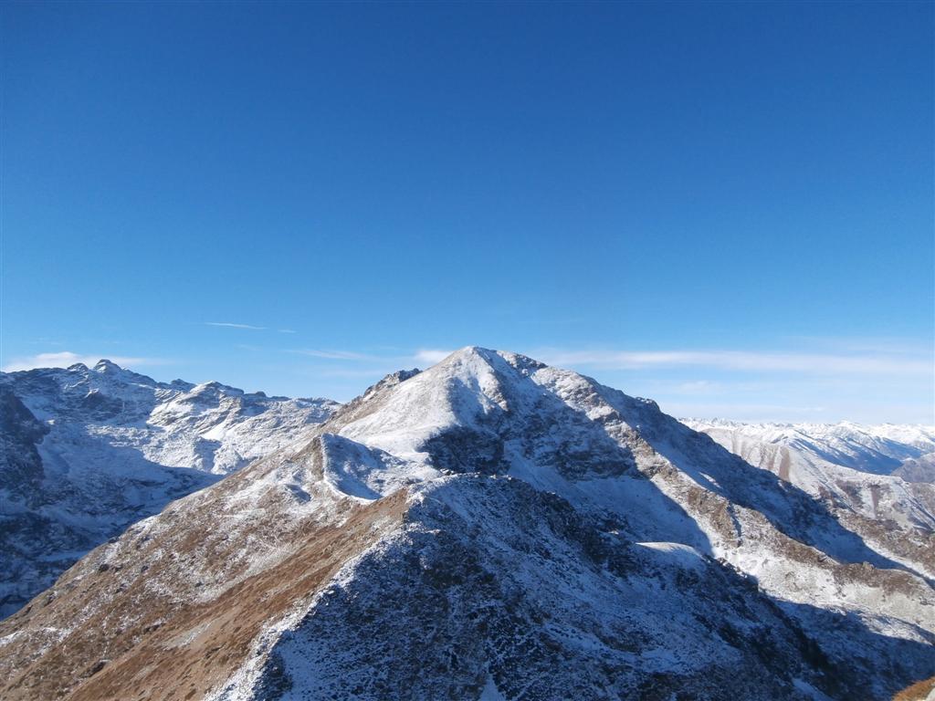 anche verso il Ventabren poca neve