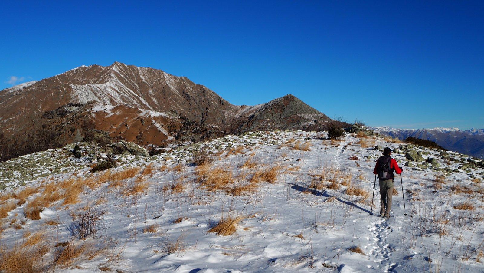 quasi in vetta al monte sapei con due dita di neve