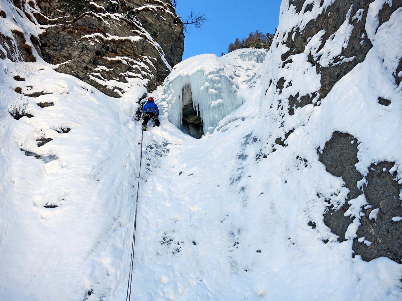 Claudio sul primo tiro coperto parzialmente dalla neve
