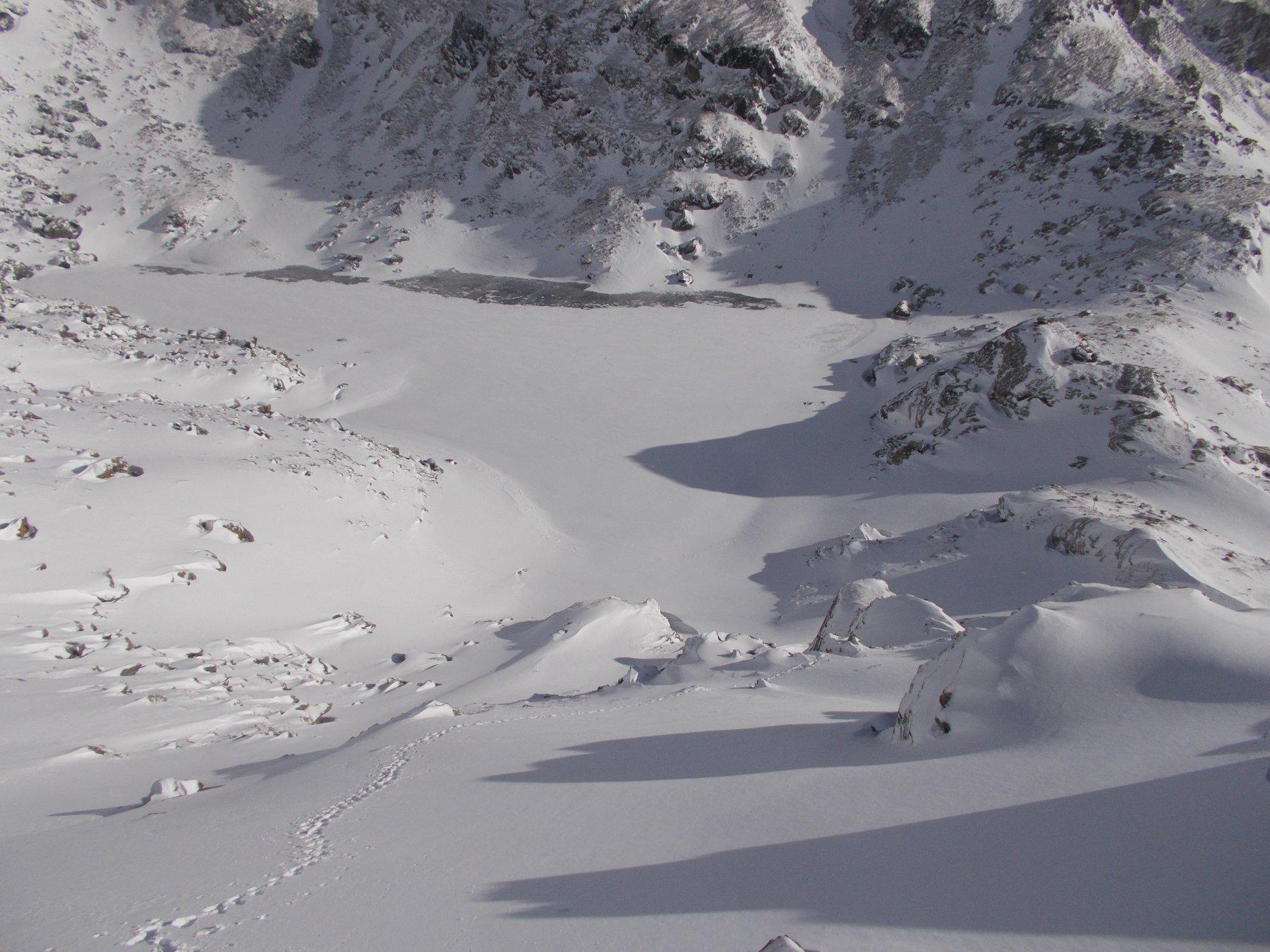 sprofondando sempre piu' ..nella neve che aumenta a vista d'occhio..