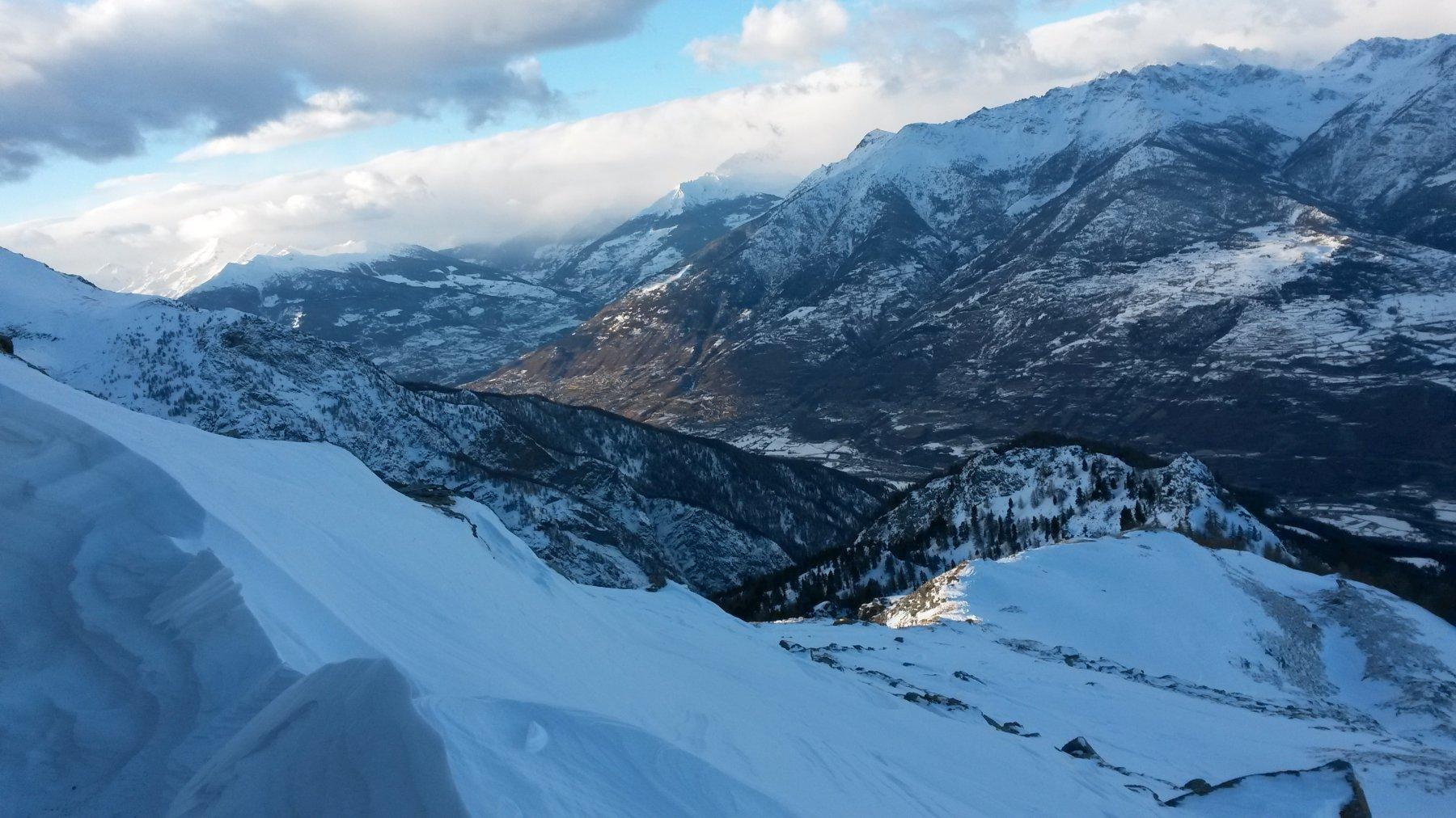 la cresta di salita dal Mont Roux vista dall'alto