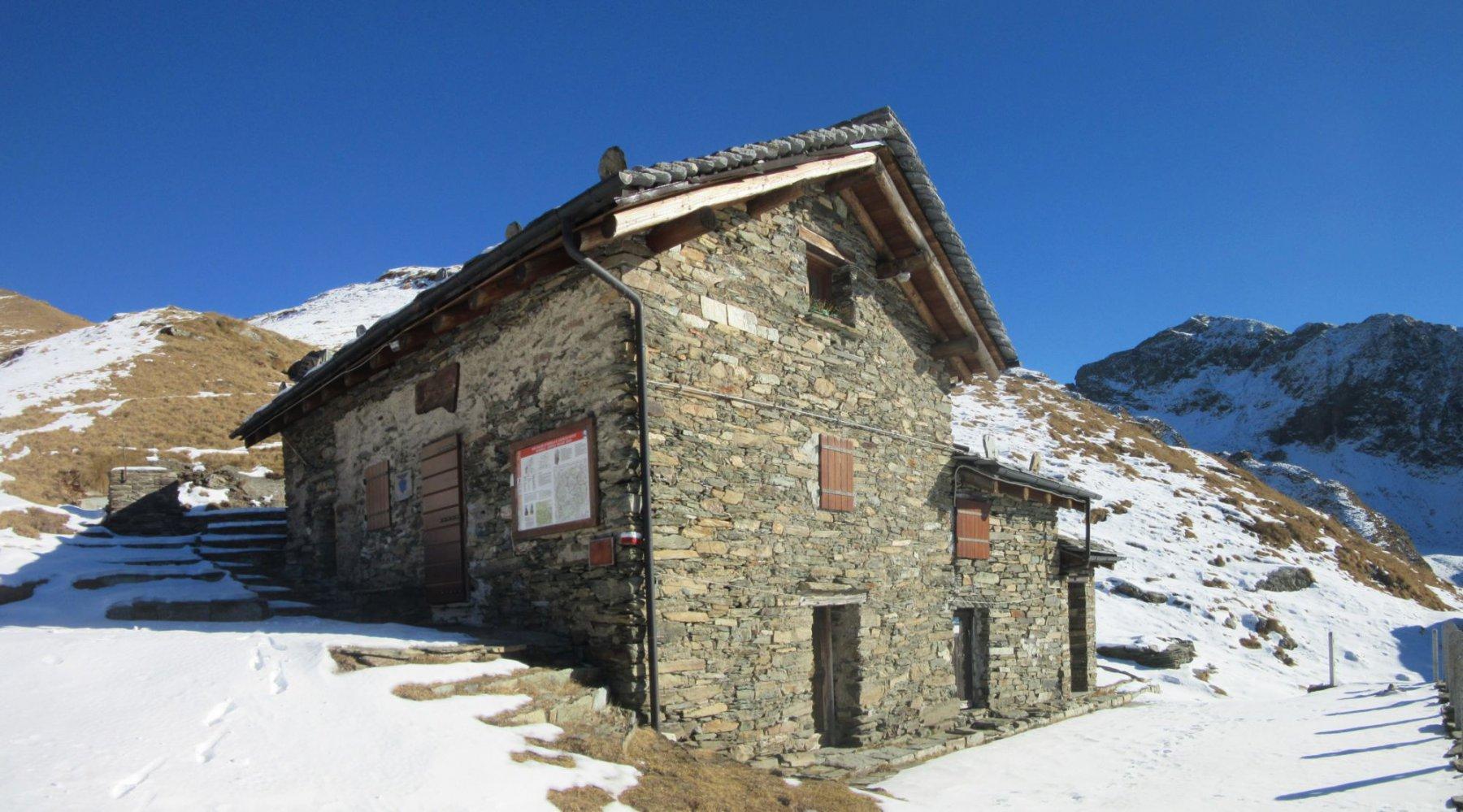 Rifugio CAI Borgomanero all'Alpe Pianello
