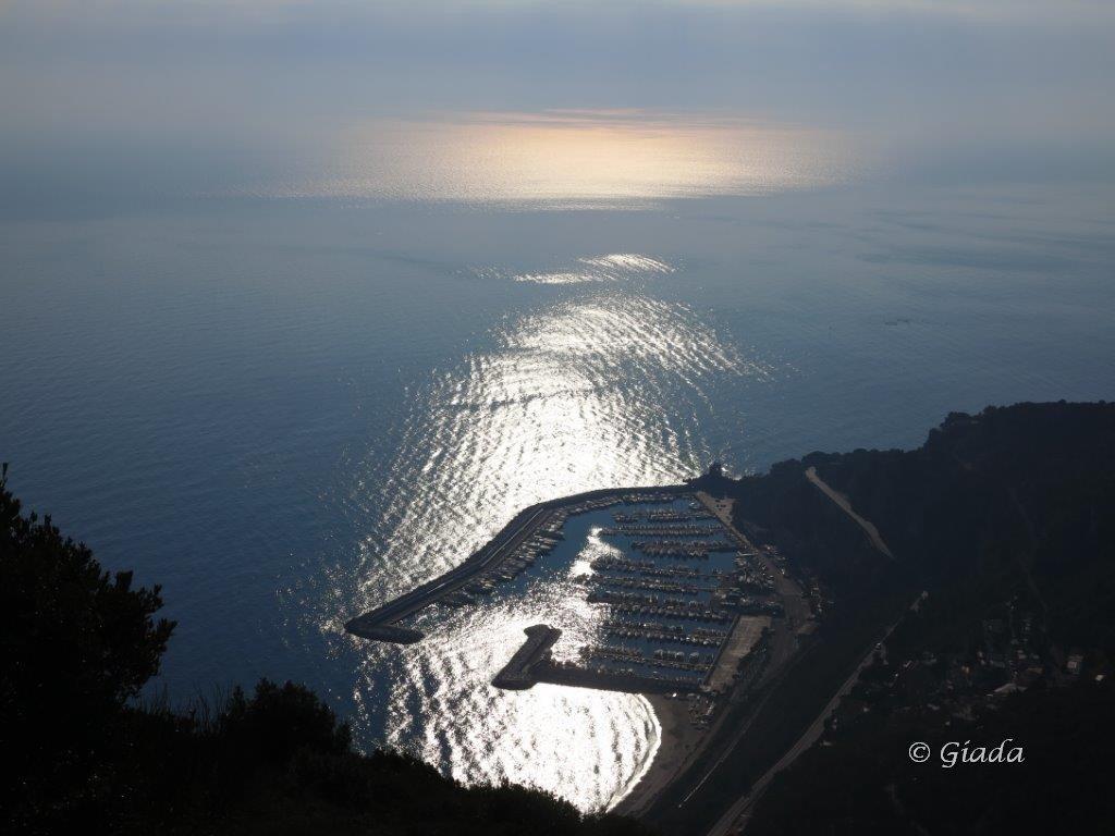 Giochi di luci sul porto di Alassio