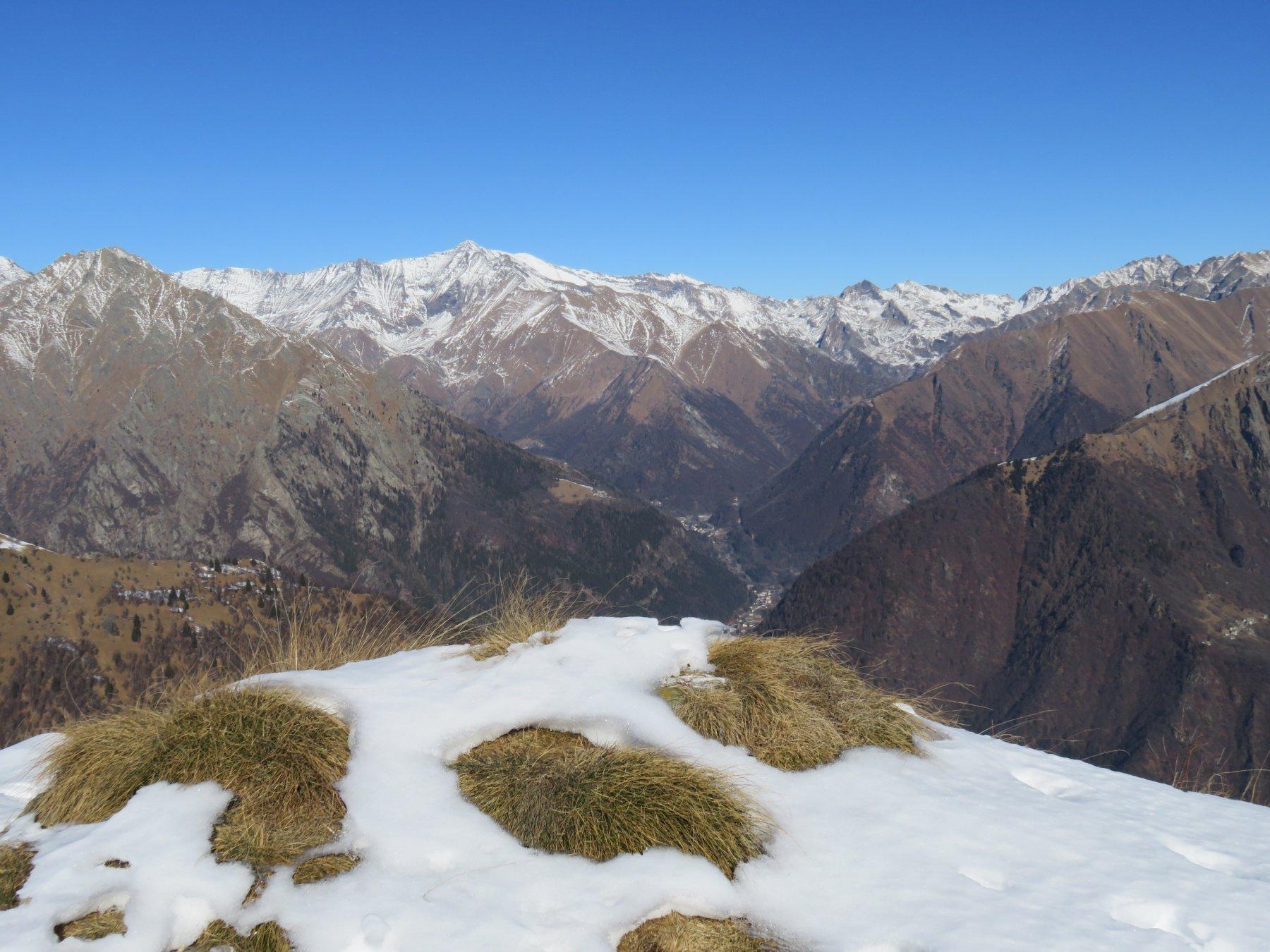 Panorama sulla Val Soana, dall'Uja d'Ingria