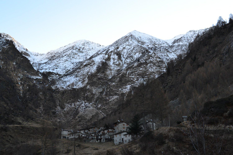 arrivo all'Alpe Fraina con l'omonima cima sullo sfondo