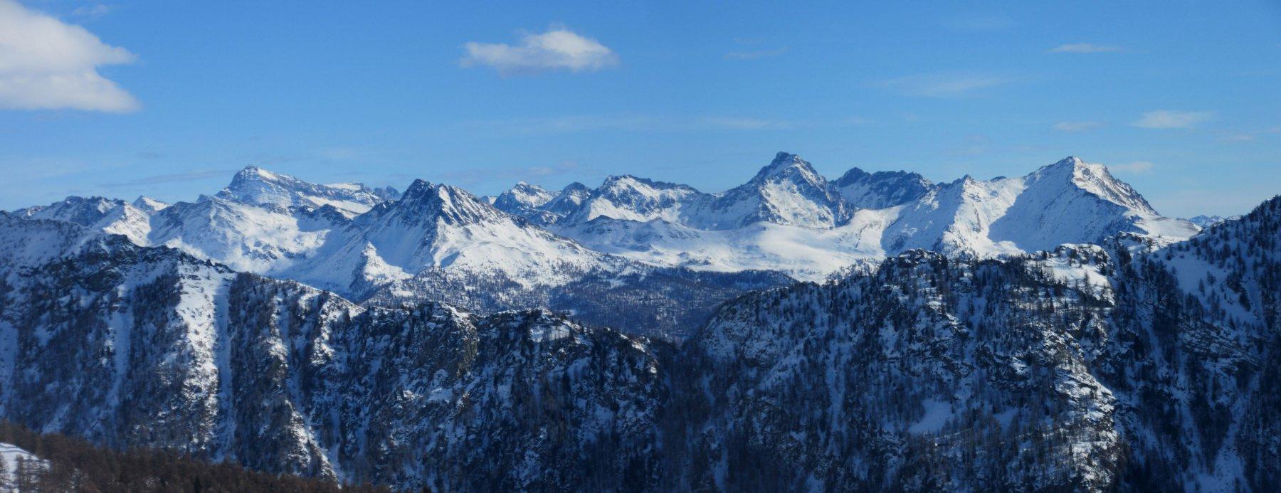 Panorame verso la Testa Grigia  Tantanè e Zerbion