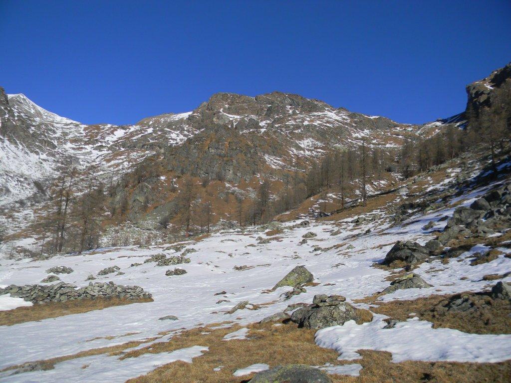 dall'alpe Prato Sup., a sx, il valloncello da risalire