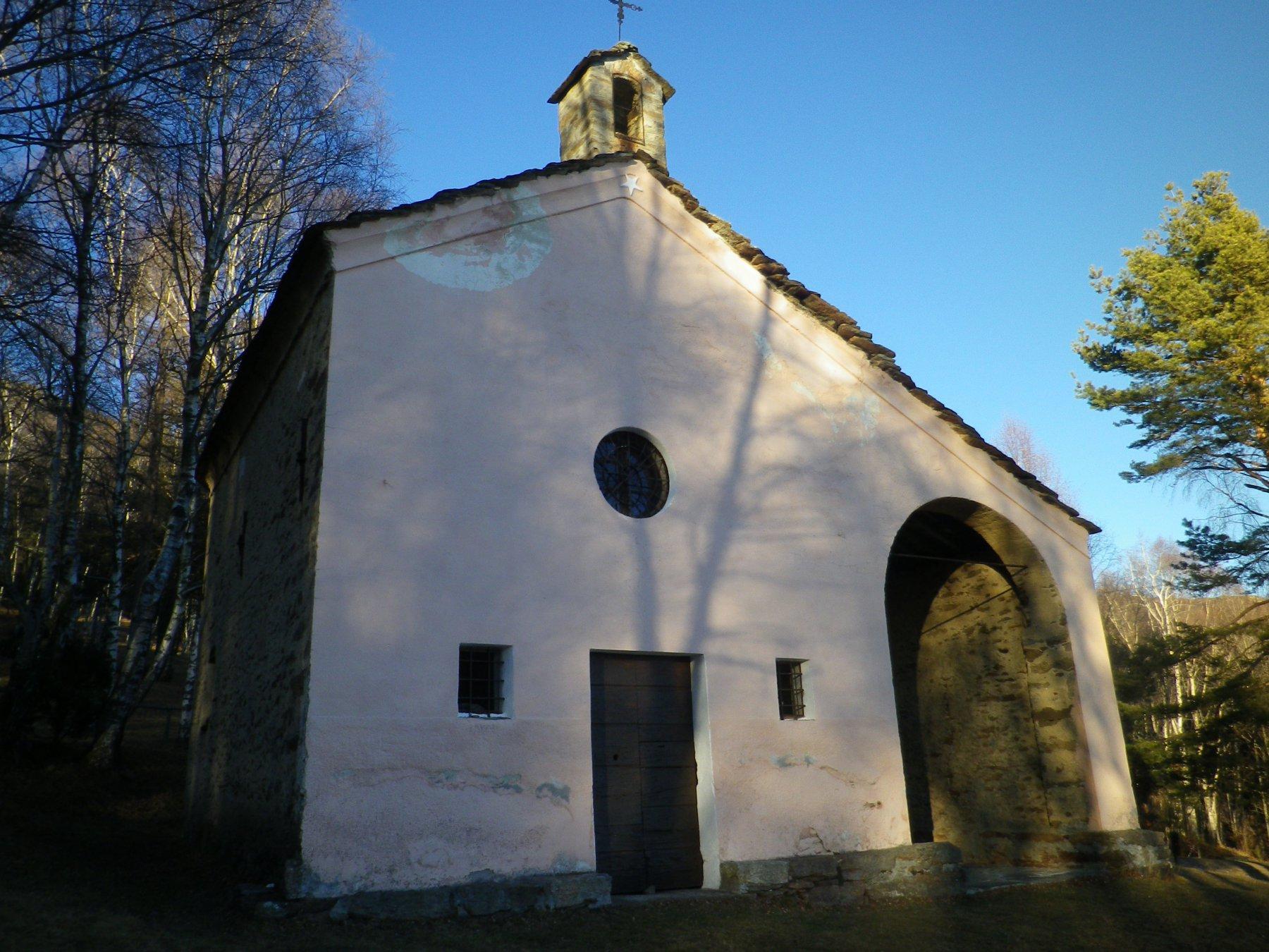 alla partenza, la chiesetta di S.Giacomo