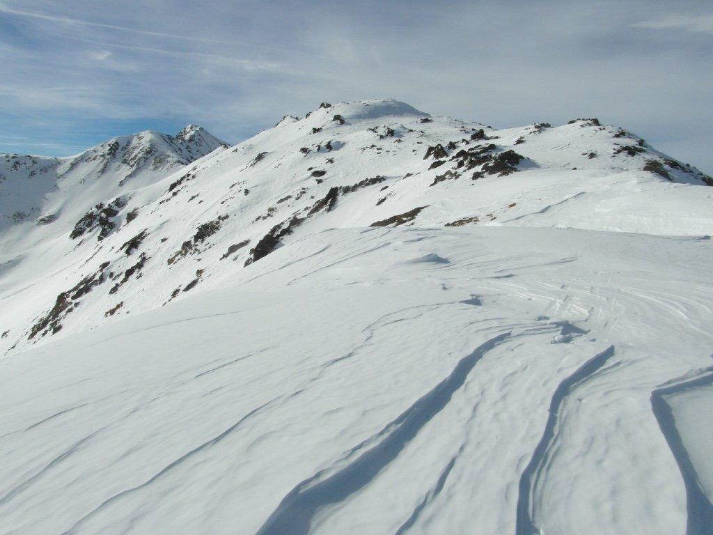 la Dorsale di salita dal colle con il Monte Rosso di Vertosan al fondo