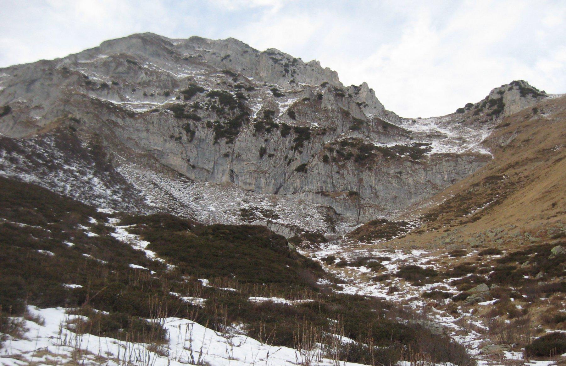 Nel Valloncello del Garbella, pestiamo un po' di neve