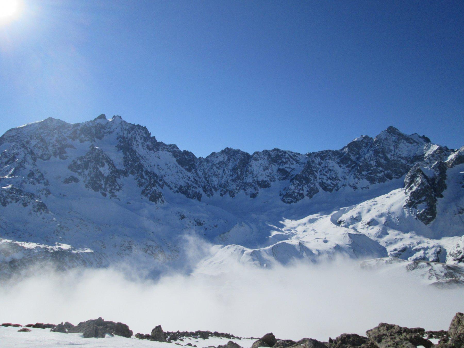 Les Agneaux  a sinistra e Pic de Neige Cordiere a destra