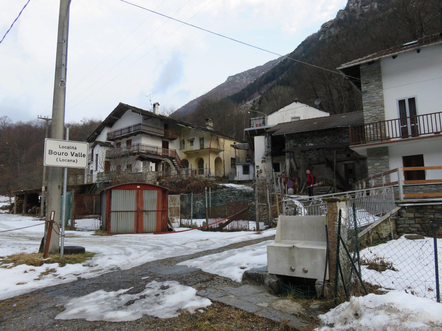 Inizio sentiero a Bouro Valle