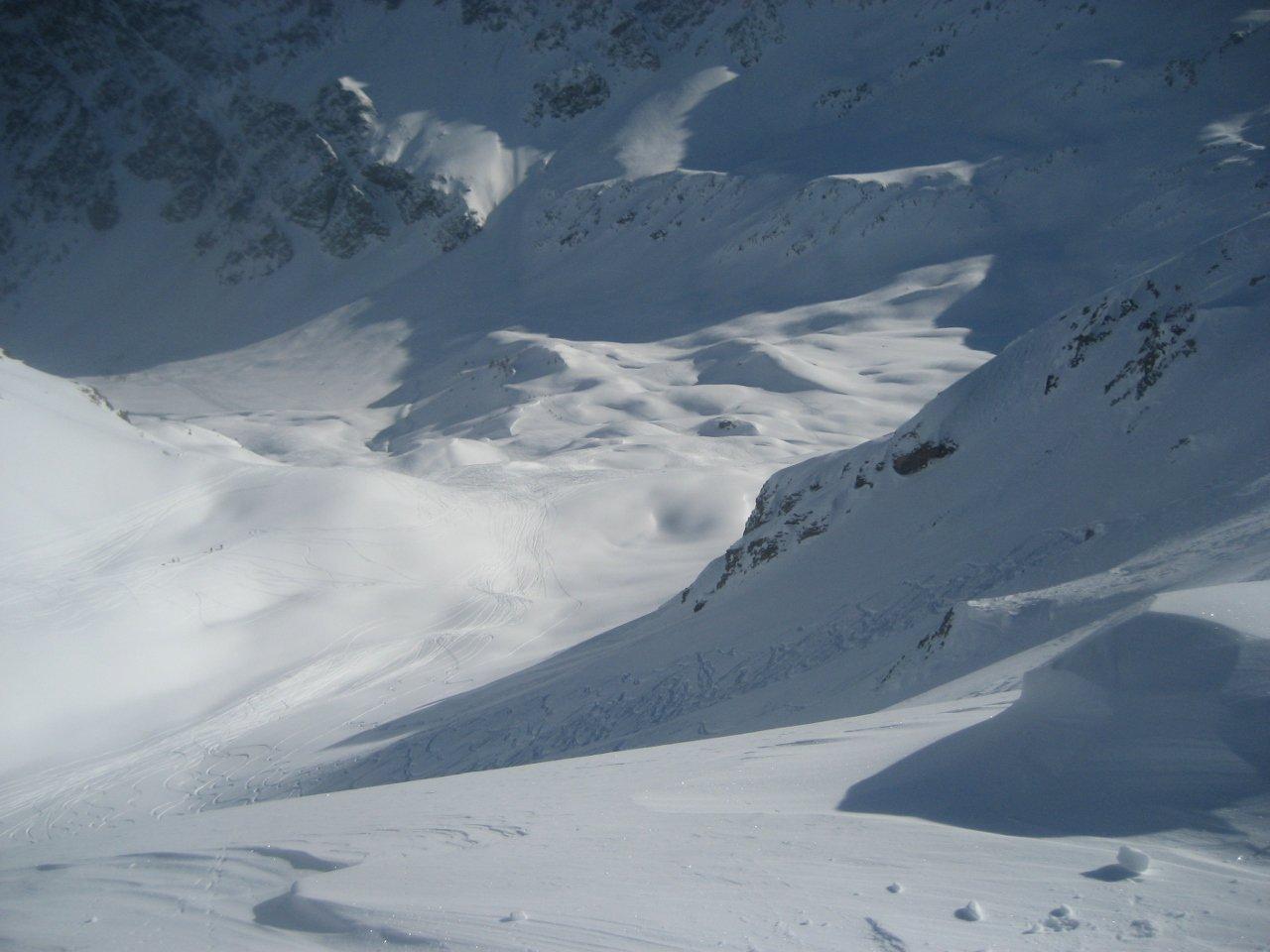 canale/pendio tra le due cime, fotografato da sopra