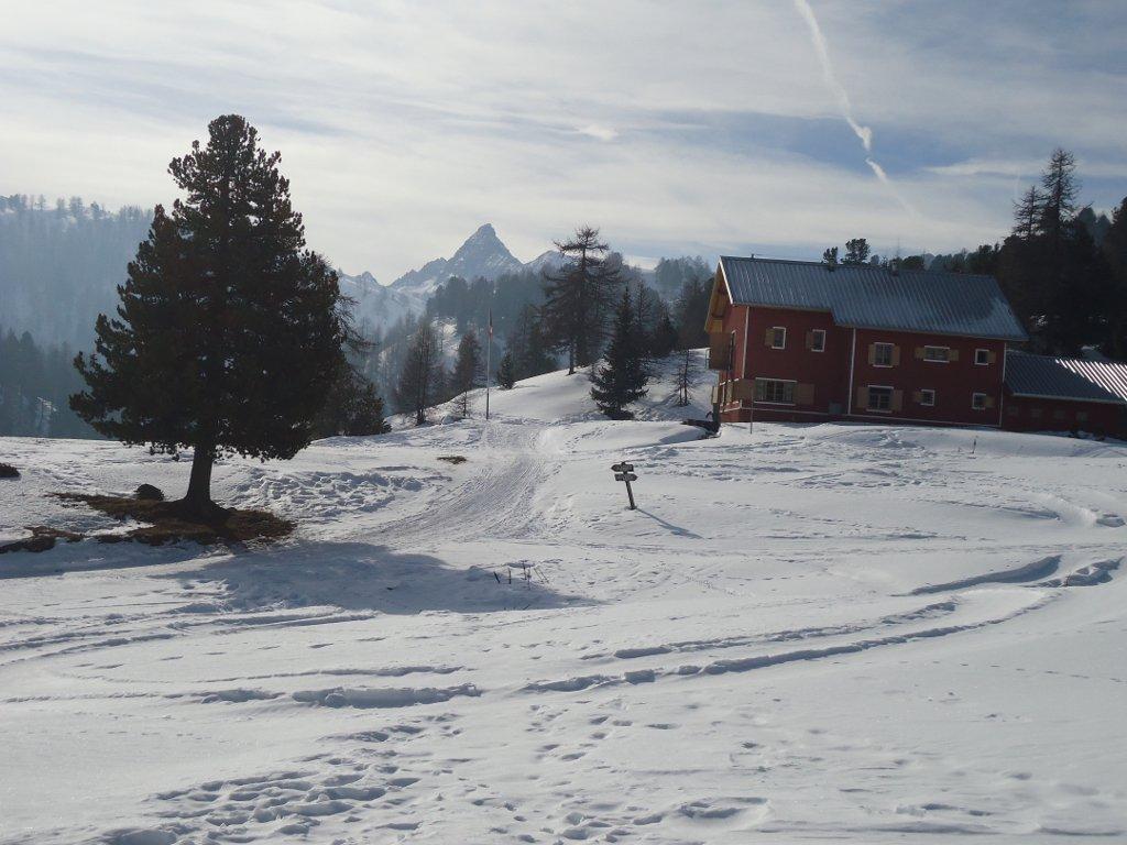 Capanna Mautino. Pic de Rocquebrune sullo sfondo