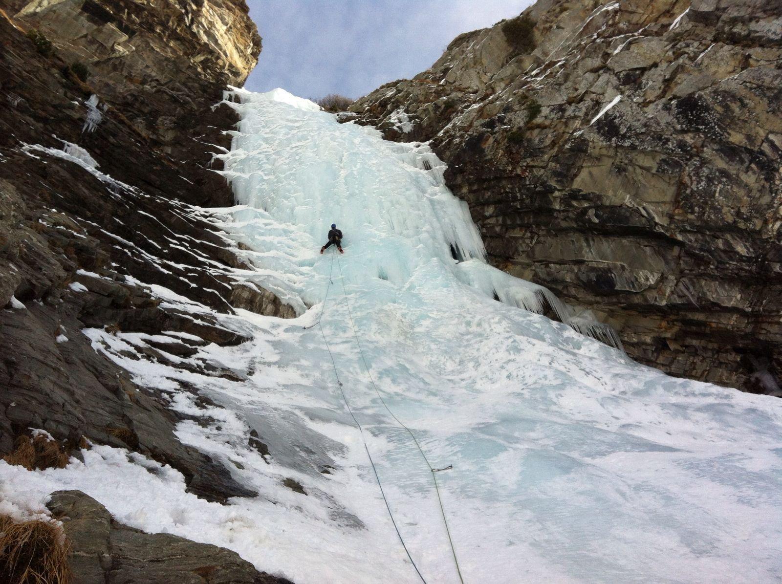 Una seconda linea a sinistra più facile con ghiaccio più lavorato.