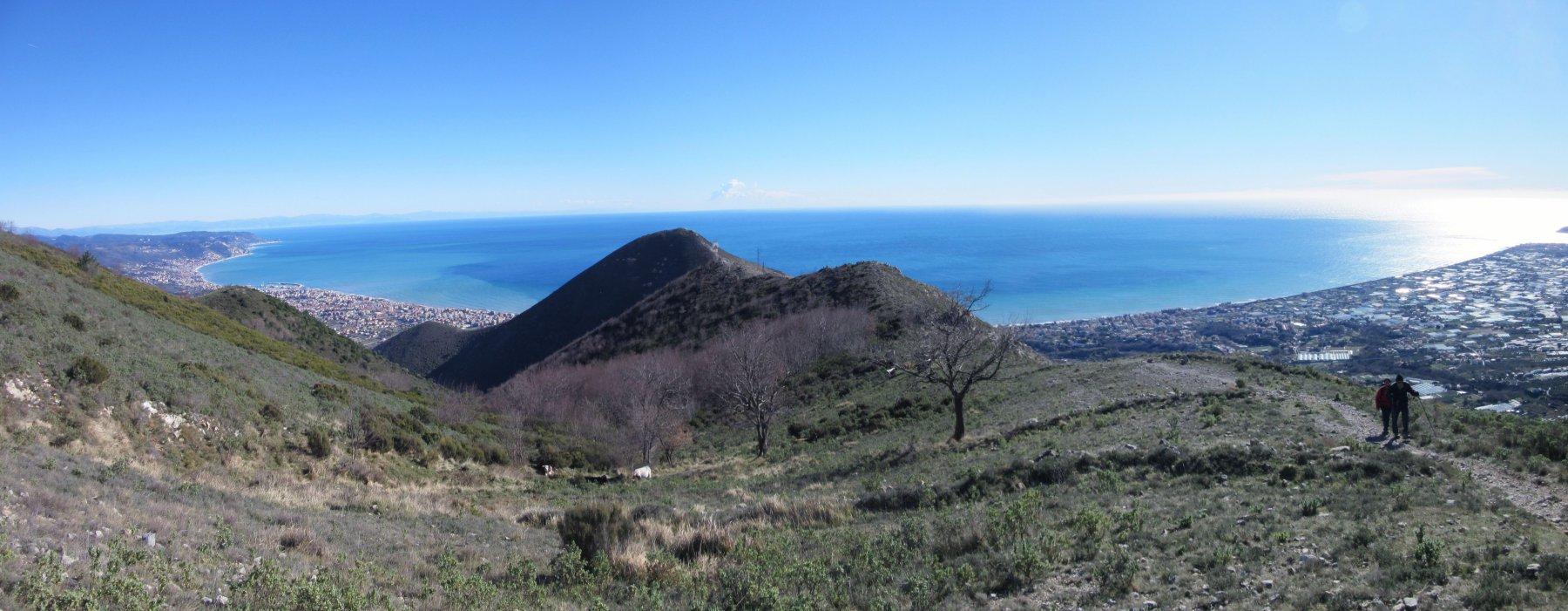 Salendo al Monte Acuto