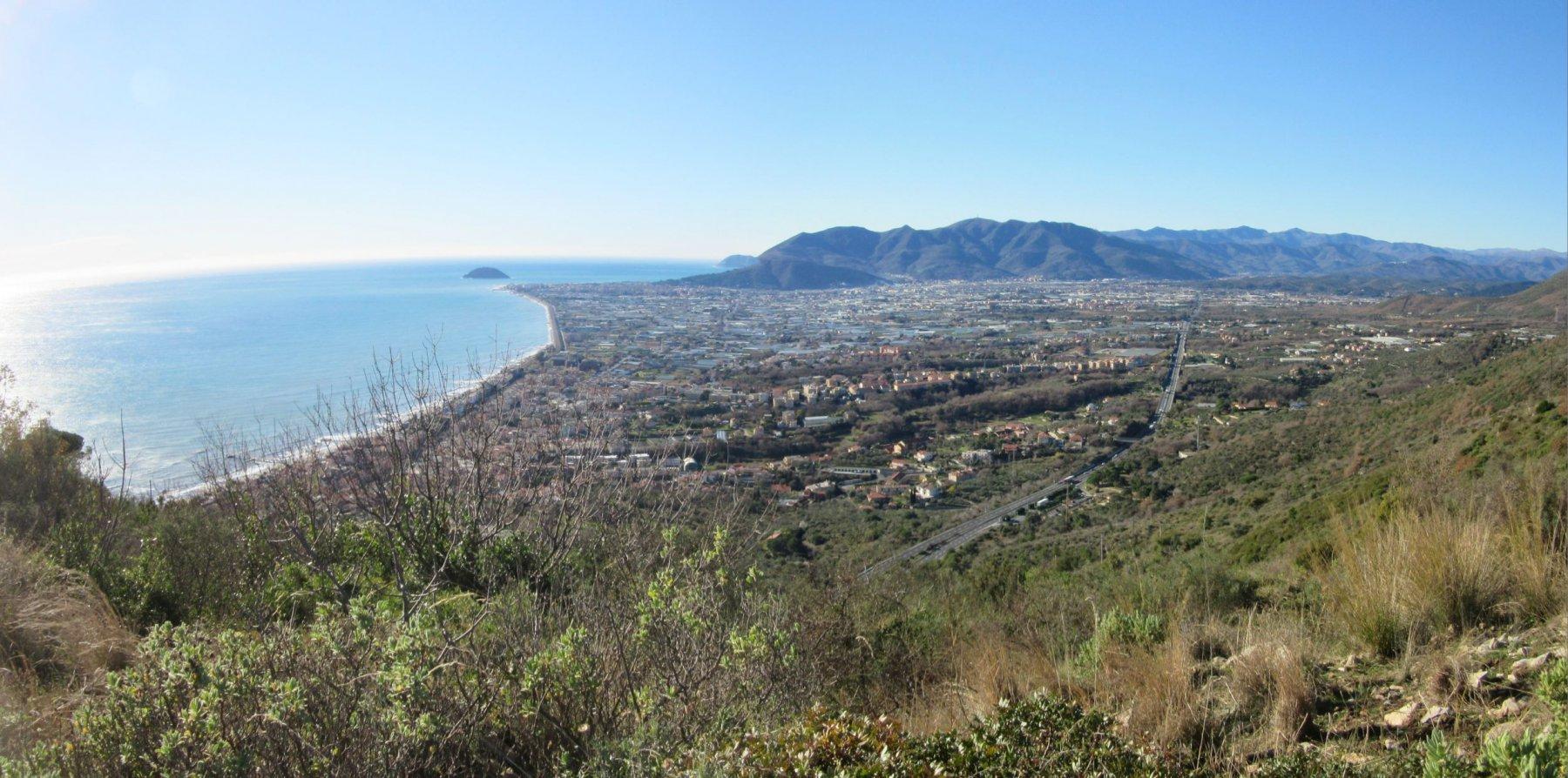 Panorama verso la piana di Albenga