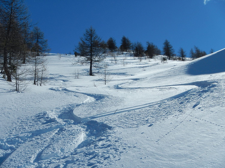 bella neve nel valloncello