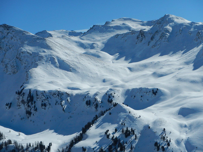 dalla cima: poca neve su Terra Nera e Dormillouse