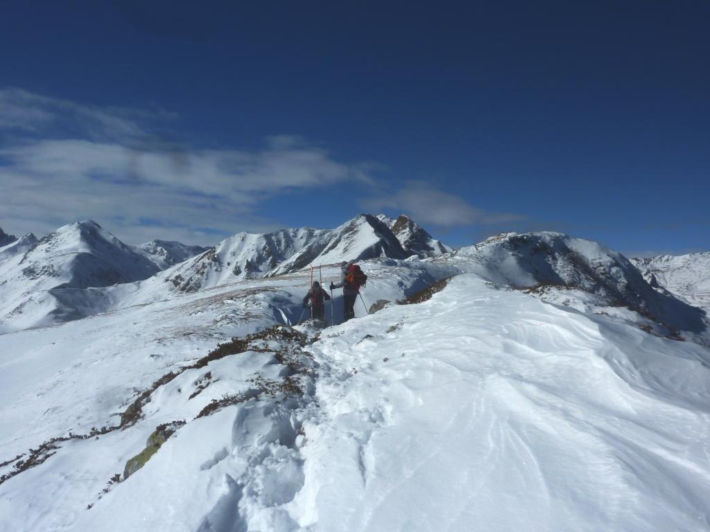 L'inbocco del Vallone Lombardo, in fondo a sinistra l'altro Monte Omo del Vallone dell'Arma