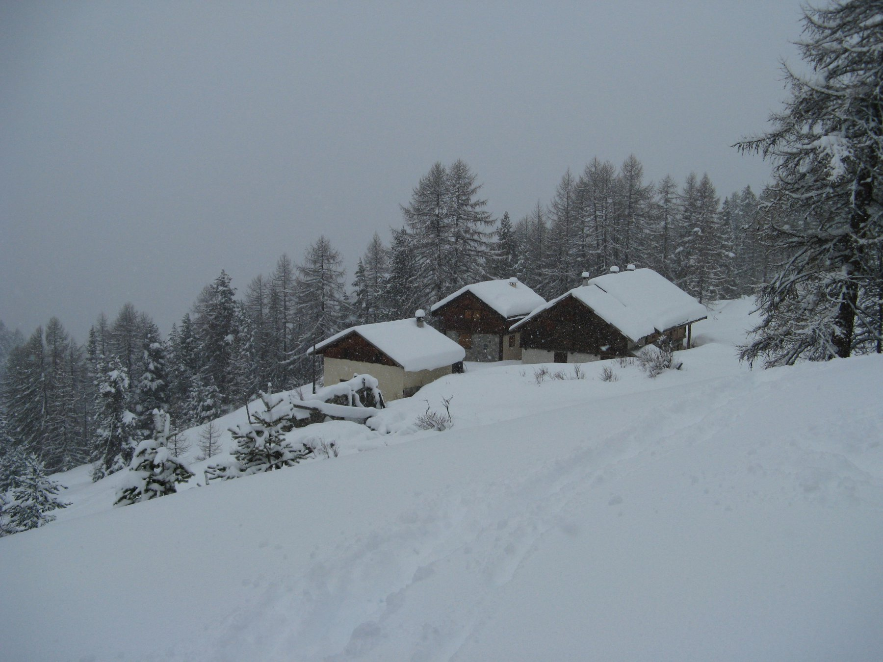 Gli Chalet du Vallon sotto la nevicata