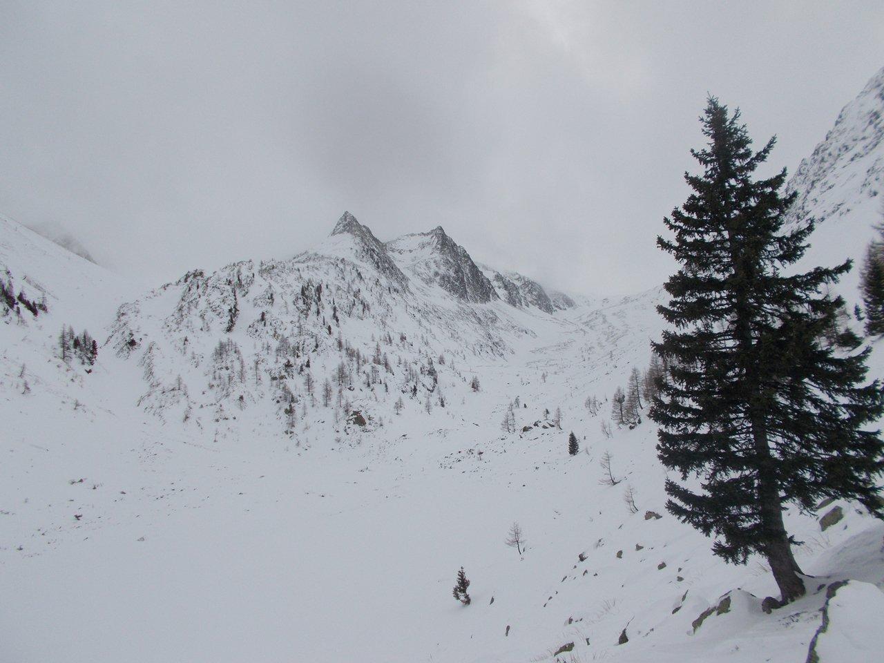 Il lago di S.Bernolfo,coperto di neve