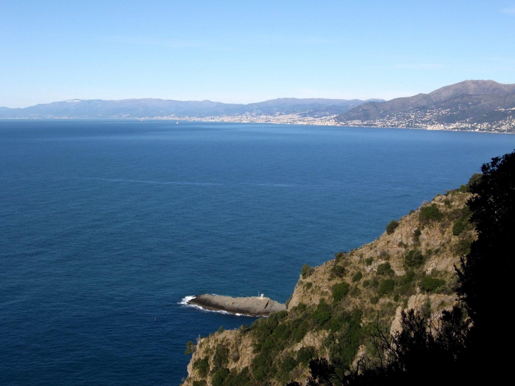 Punta Chiappa e Genova
