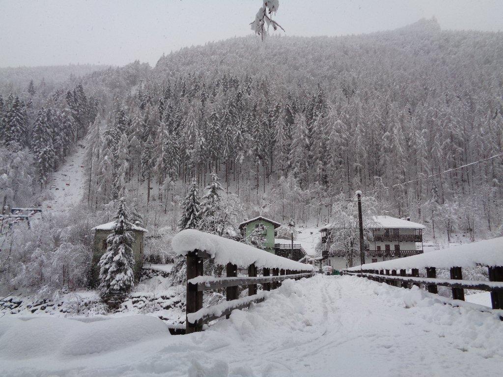 all'andata neve sul ponte