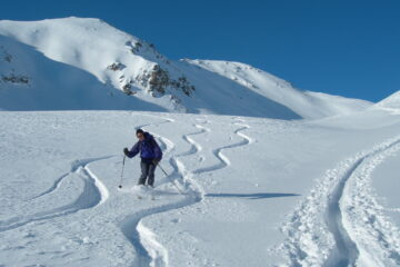 Bella neve polverosa   I   La belle poudreuse   I   Amazing powder   I   Toller Pulverschnee   I   Estupenda nieve polvo
