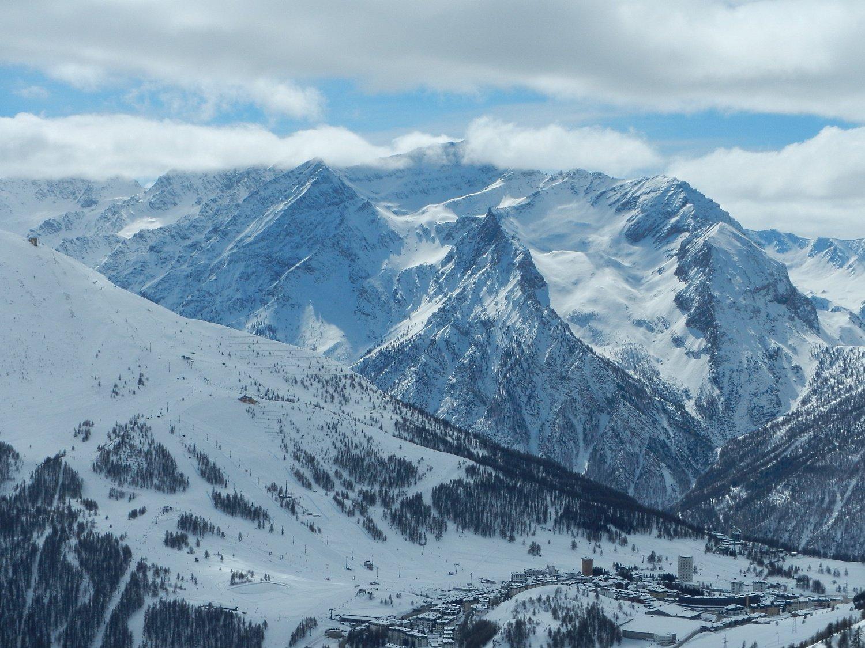 dalla cima vista sul selvaggio vallone del Monte Gran Roc