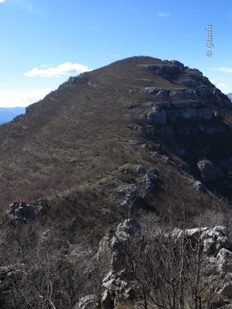 Castellermo visto salendo al Monte Nero