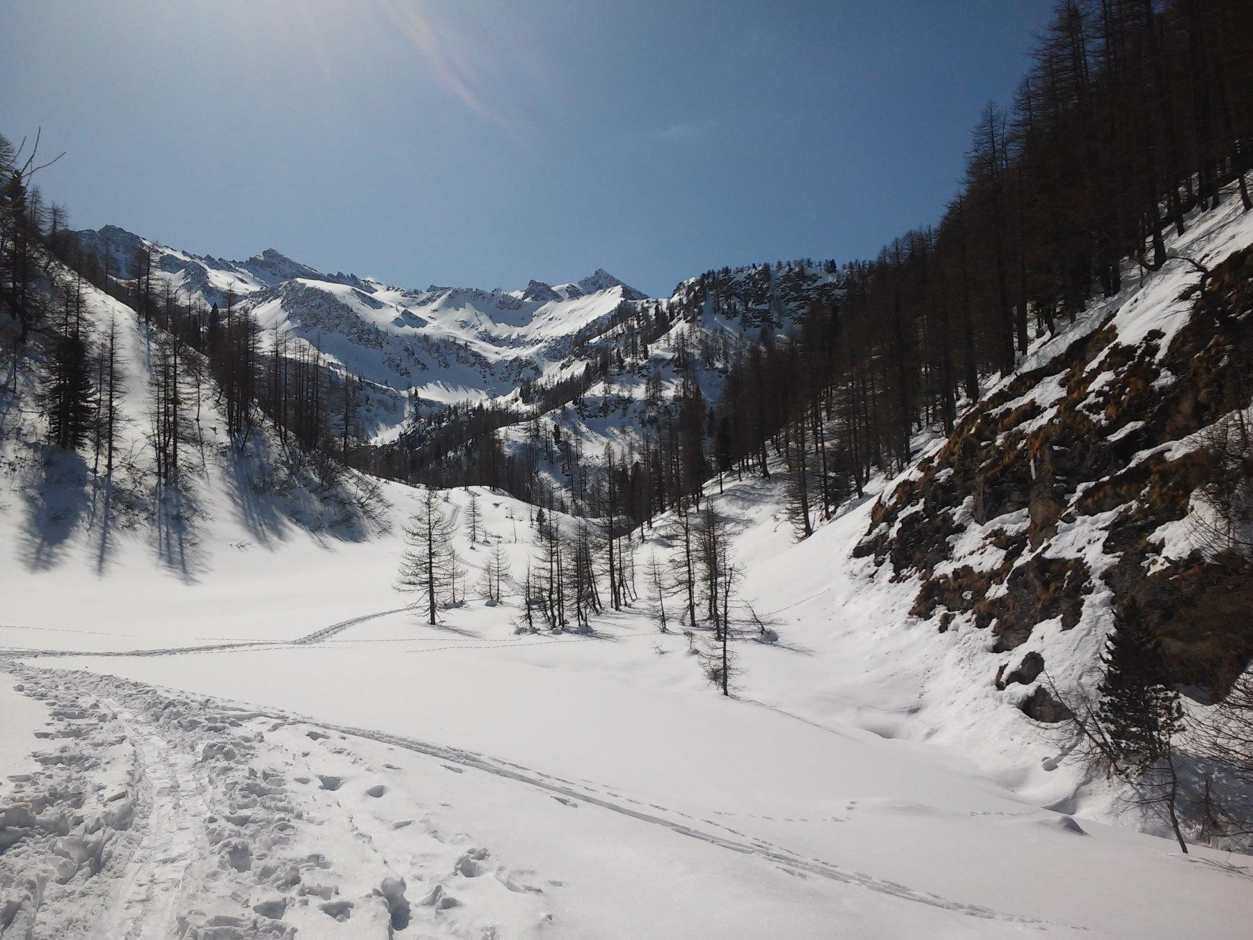 Imbocco della valle della Chiarlea con in fondo la cima