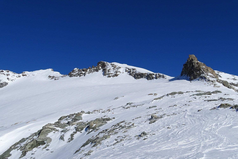 accesso al Glacier du Mont Gelé; a sinistra la cima