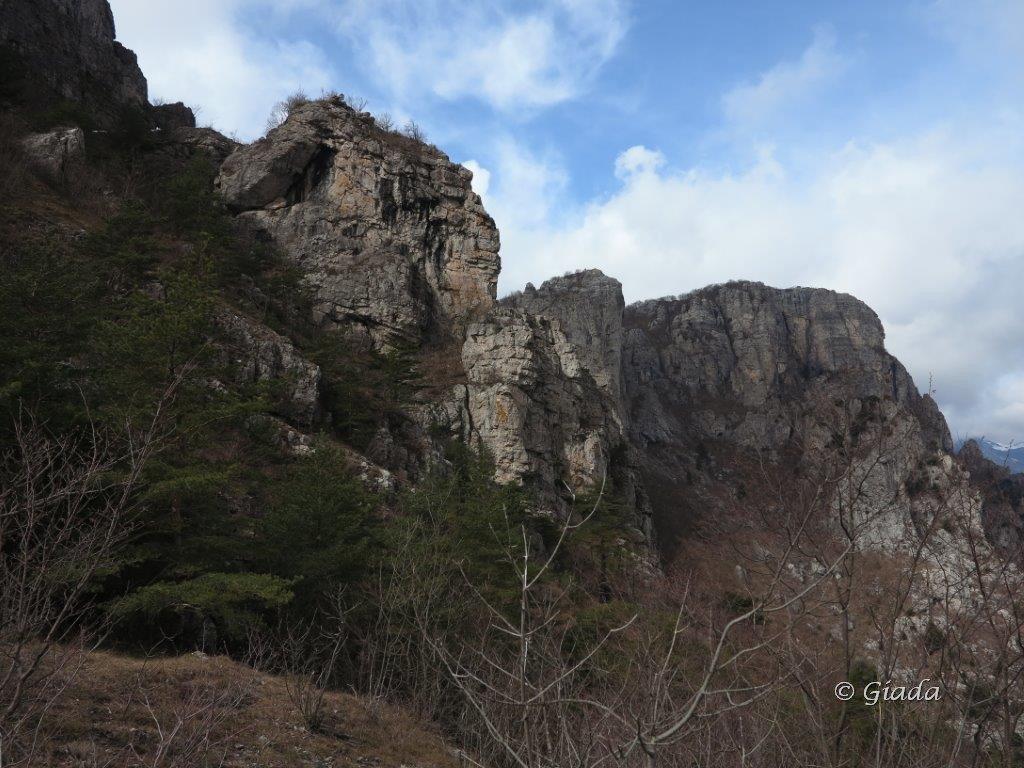 Castell'Ermo o Peso Grande da Castellaro per il Sentiero dei Giganti 2016-03-20
