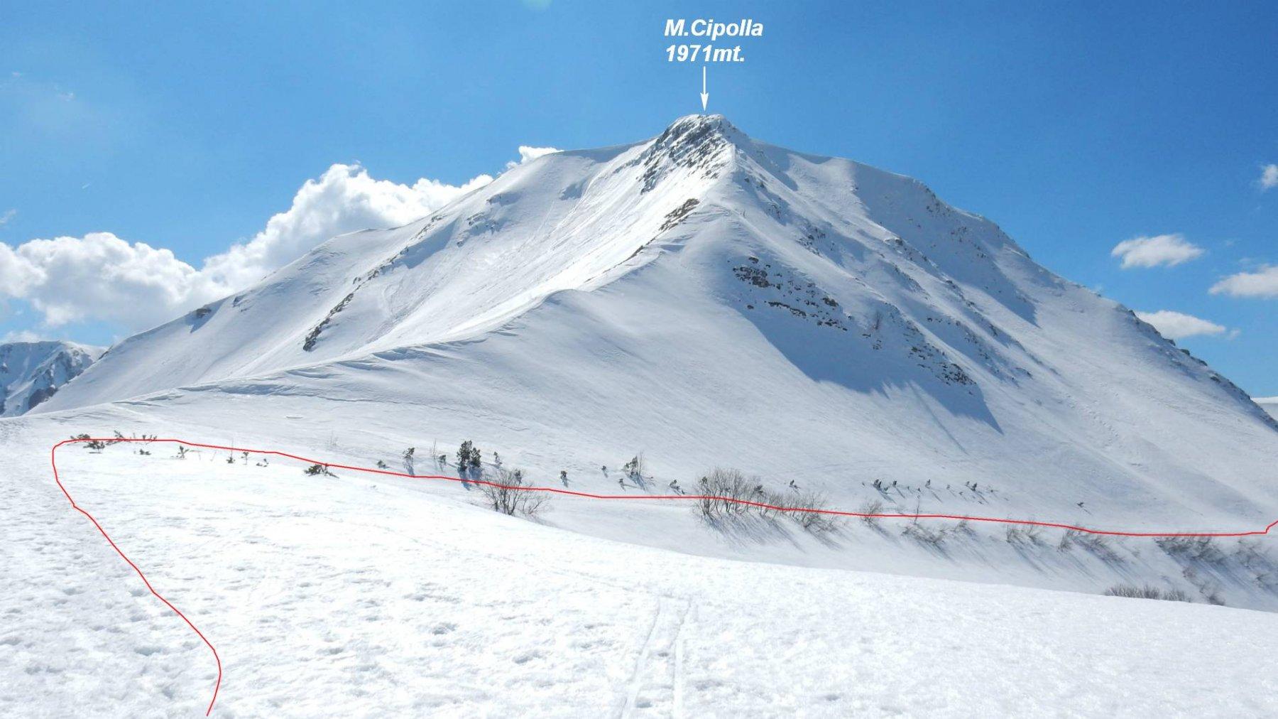 In rosso il traverso insidioso sotto il versante nord del M.Cipolla.