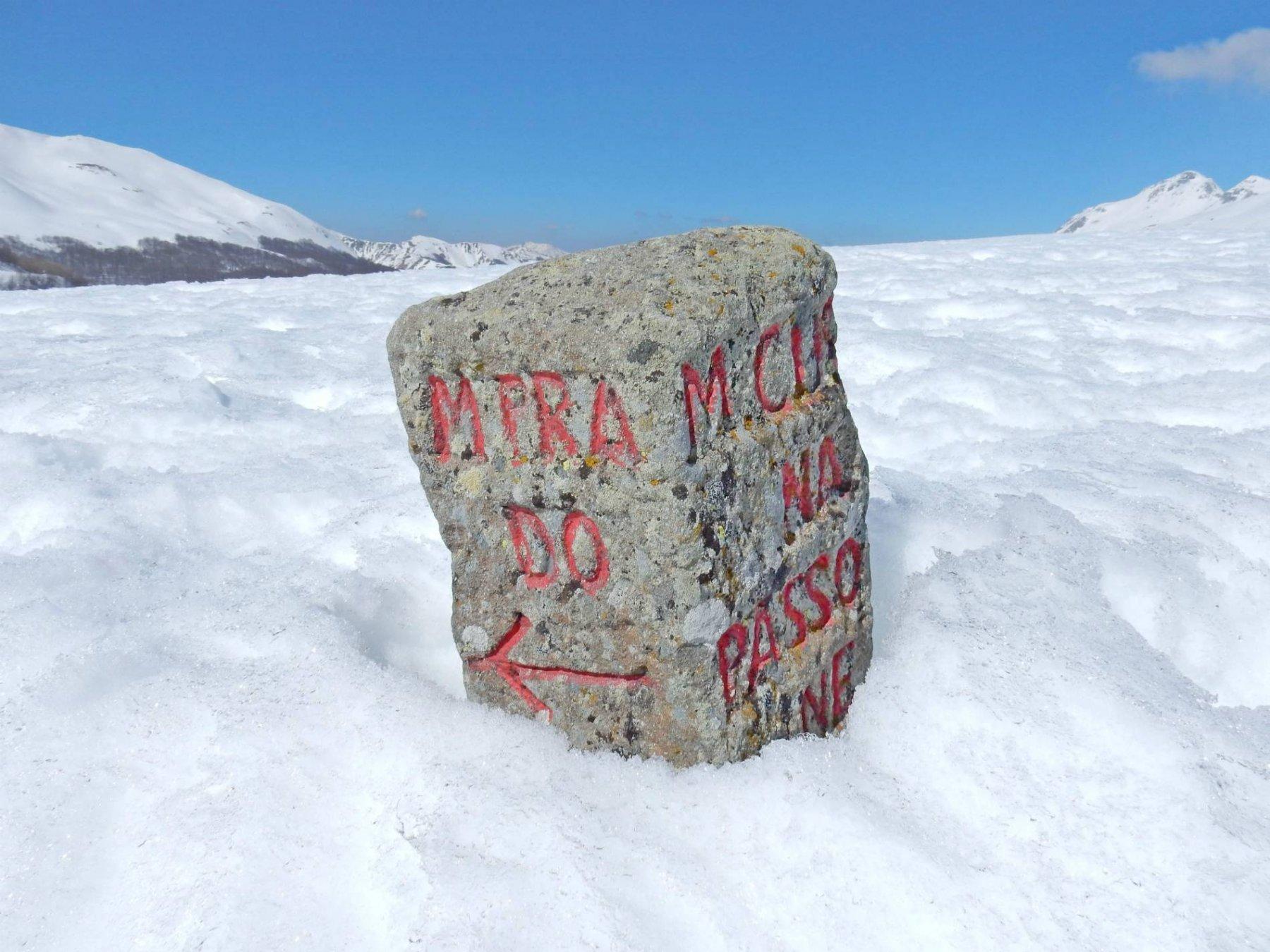Cippo di pietra al P.so di Lama Lite 1781mt.