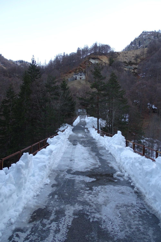 ghiaccio sul ponte alla partenza