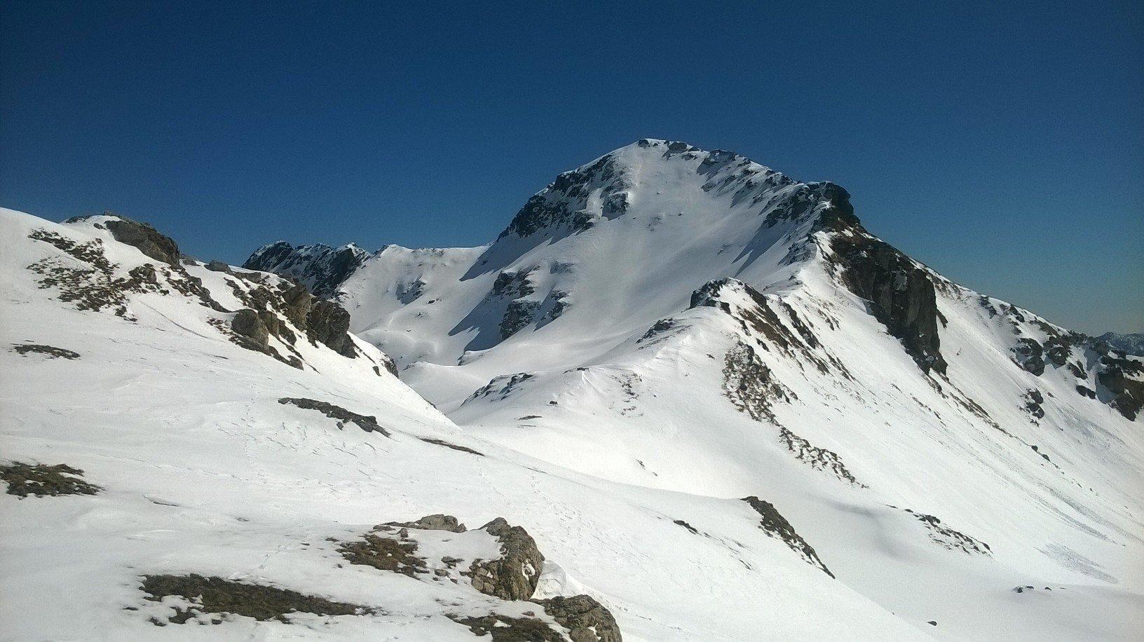 La cresta che conduce alla vetta del Monrion