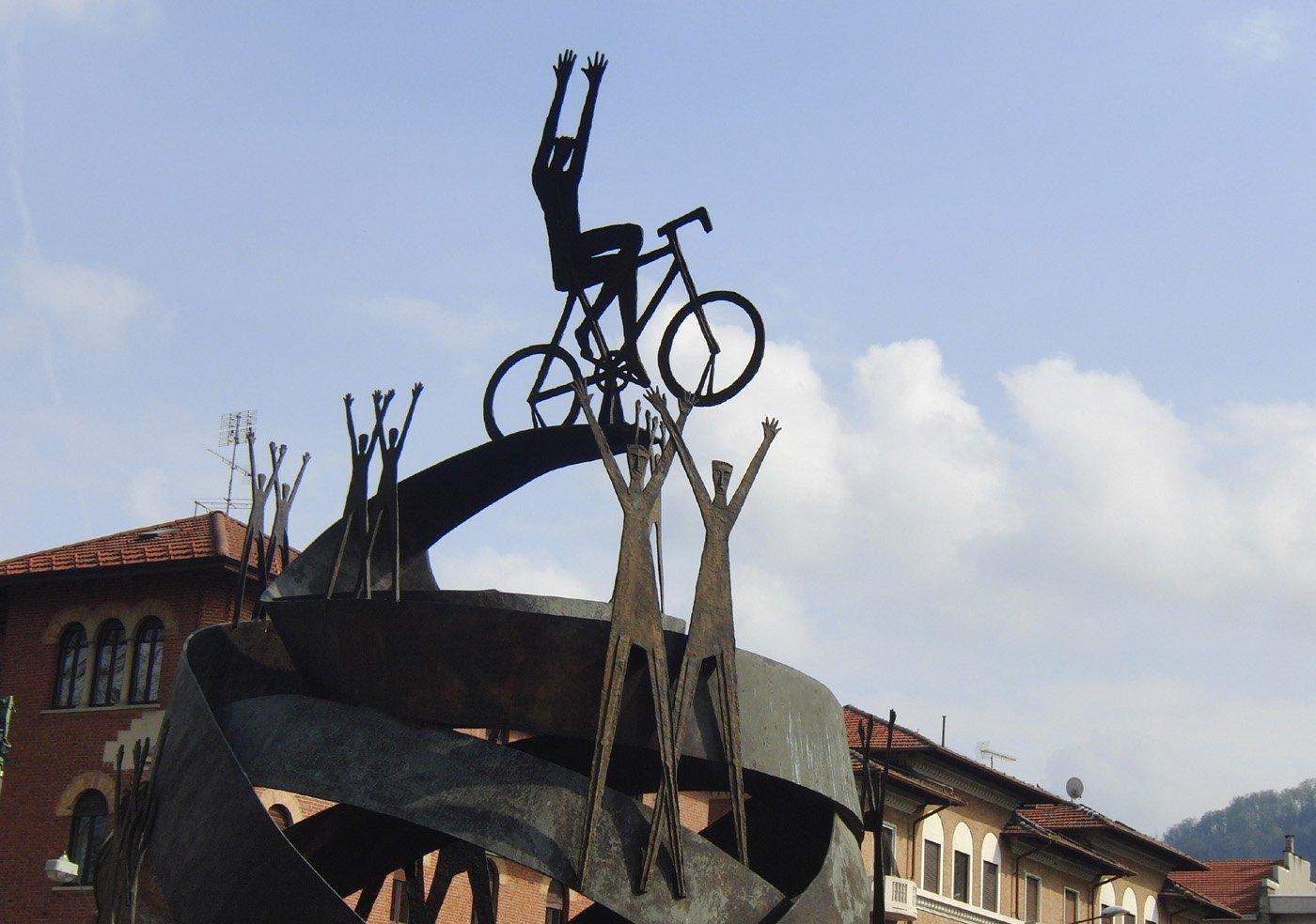 Monumento a Coppi