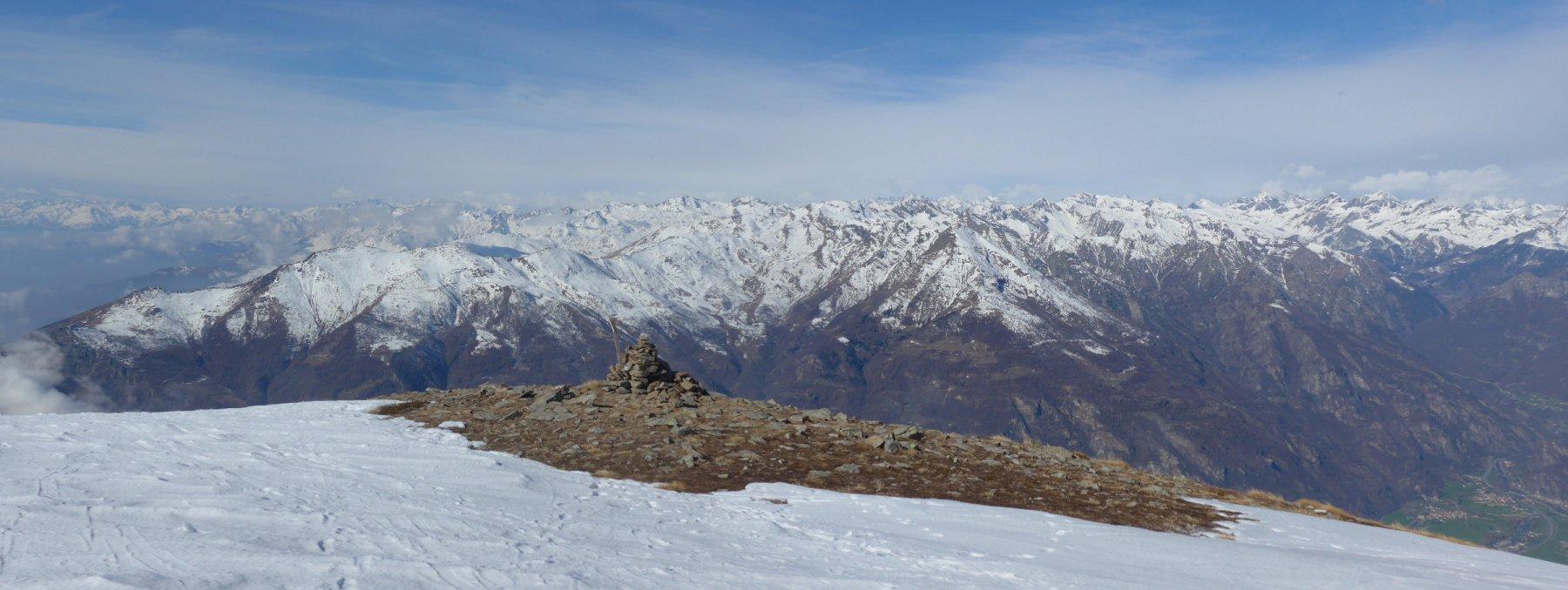 neve scarsa verso la Val d'Aosta
