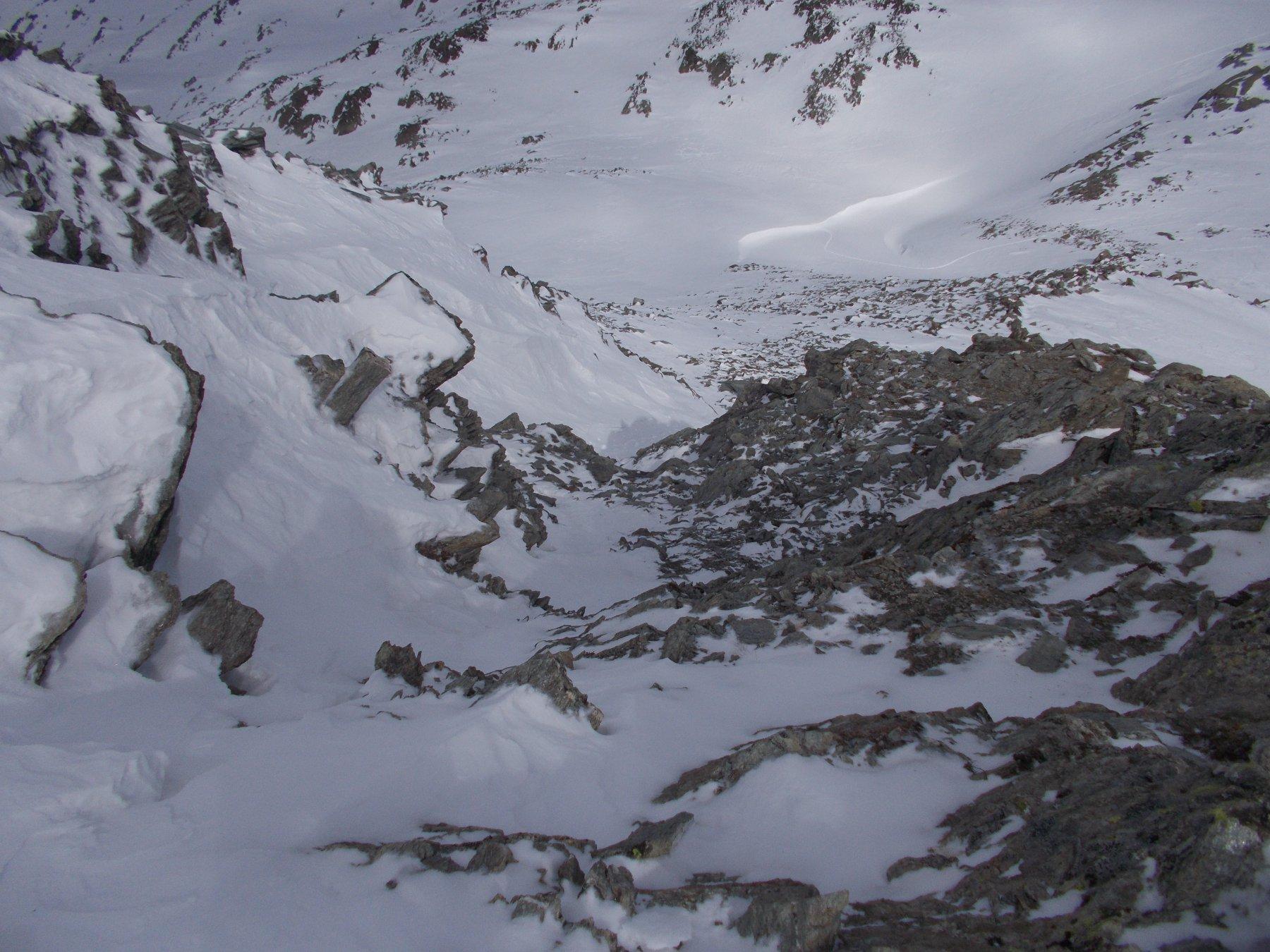 il canalino d'accesso alla cresta..dall'alto..