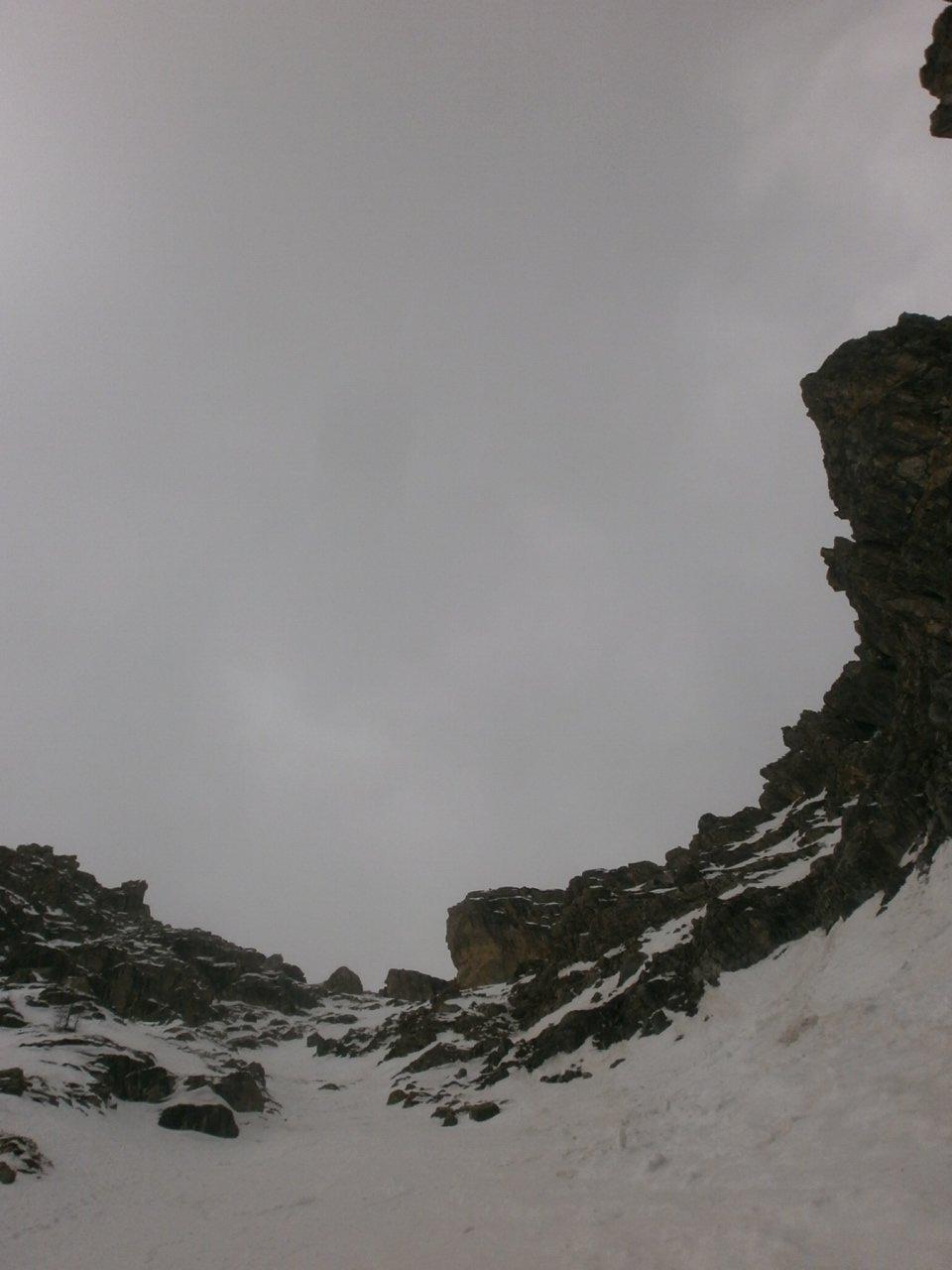 quasi al traverso per superare la barra di rocce