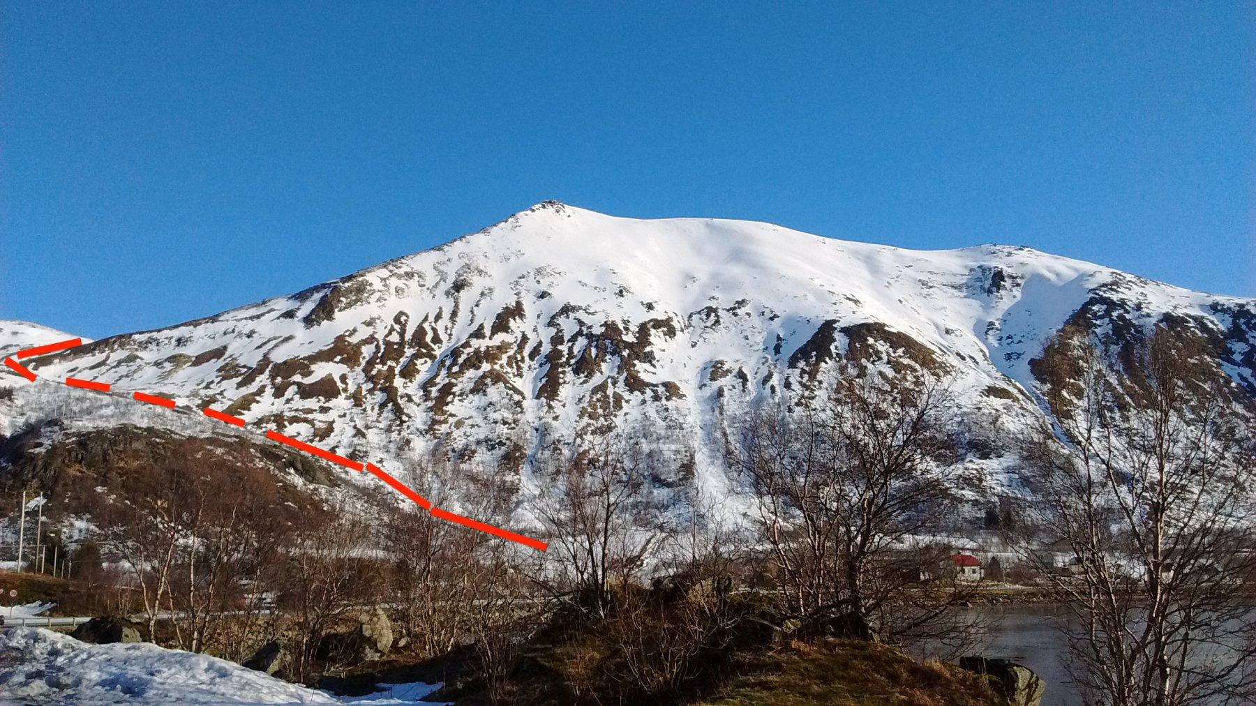 parte iniziale dell'itinerario con la salita al colle Morfjordskaret